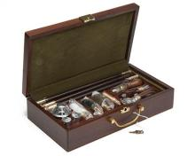 † A NEW AND UNUSED PRESENTATION DELUXE 12-BORE GUN ACCESSORY AND CLEANING KIT,