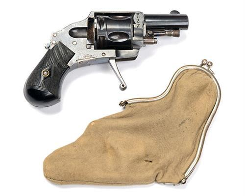 L. CHOBERT, PARIS A .320 (SHORT REVOLVER) FIVE-SHOT HAMMERLESS PURSE-REVOLVER, serial no. 12,