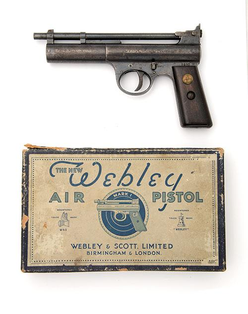 WEBLEY & SCOTT, BIRMINGHAM & LONDON A RARE BOXED .177 BARREL-COCKING AIR-PISTOL, MODEL ''MARK I DOUBLE SPRING-CLIP'', serial no. 1530,