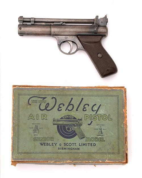 WEBLEY & SCOTT, BIRMINGHAM A BOXED .177 BARREL-COCKING AIR-PISTOL, MODEL ''PRE-WAR ''NEW MODEL'' SENIOR'', serial no. S7015,