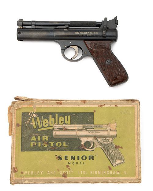 WEBLEY & SCOTT, BIRMINGHAM A BOXED .22 BARREL-COCKING AIR-PISTOL, MODEL ''POST-WAR SENIOR'', batch no. 1011,