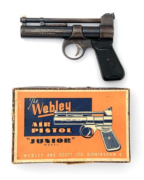 WEBLEY & SCOTT, BIRMINGHAM A BOXED .177 BARREL-COCKING AIR-PISTOL, MODEL ''ENGRAVED JUNIOR'', batch no. 750,
