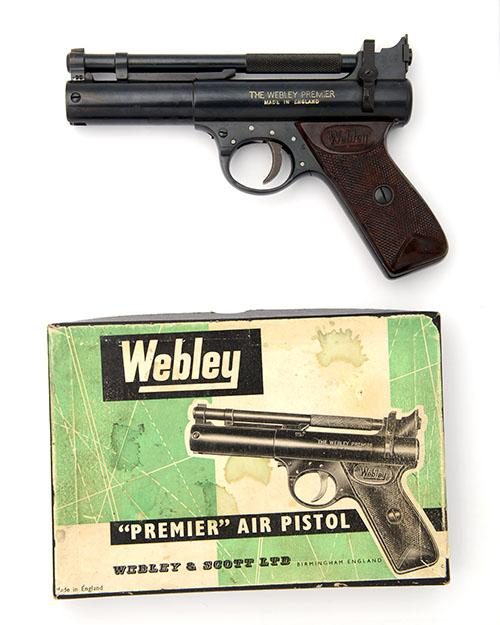 WEBLEY & SCOTT, BIRMINGHAM A BOXED .22 BARREL-COCKING AIR-PISTOL, MODEL ''PREMIER ''E'' SERIES'', batch no. 997,