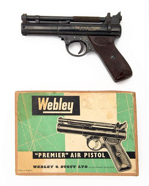 WEBLEY & SCOTT, BIRMINGHAM A BOXED .22 BARREL-COCKING AIR-PISTOL, MODEL ''PREMIER ''D'' SERIES'', batch no. 1846,