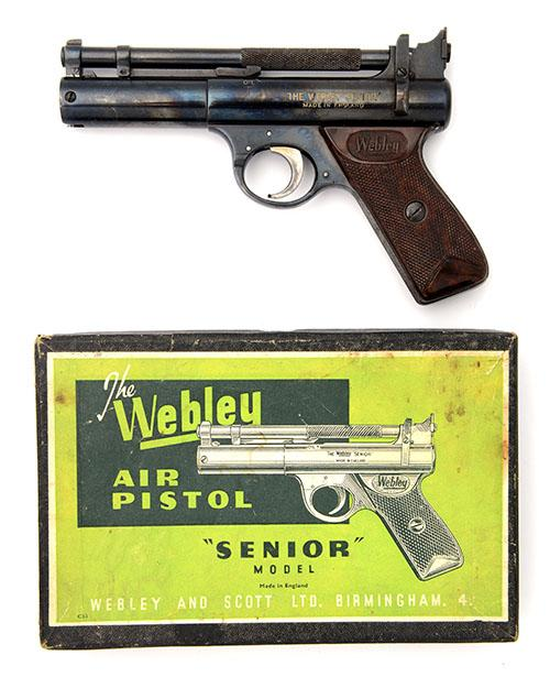 WEBLEY & SCOTT, BIRMINGHAM A BOXED .22 BARREL-COCKING AIR-PISTOL, MODEL ''POST-WAR SENIOR'', batch no. 1044,