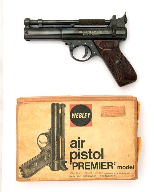 WEBLEY & SCOTT, BIRMINGHAM A BOXED .177 BARREL-COCKING AIR-PISTOL, MODEL ''PREMIER ''E'' SERIES'', batch no. 1043,