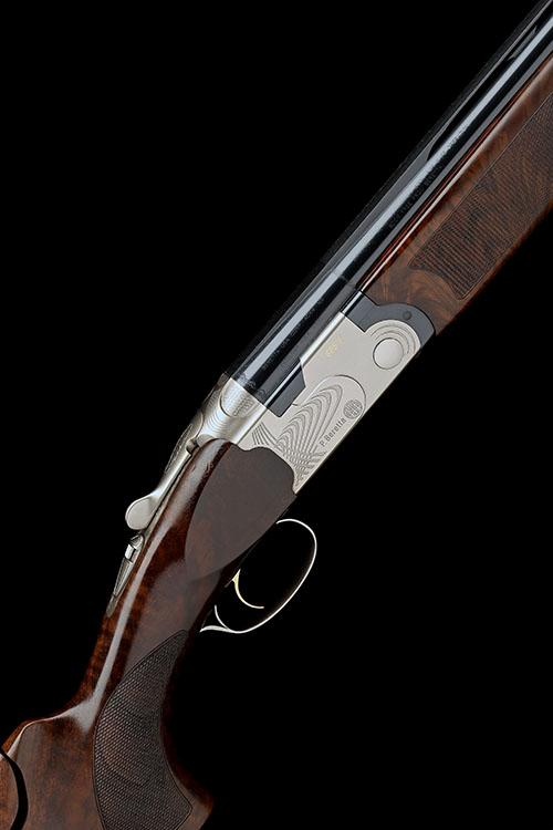 P. BERETTA A LITTLE-USED 12-BORE (3IN.) ''686 E'' SINGLE-TRIGGER OVER AND UNDER EJECTOR, serial no. V31425S,