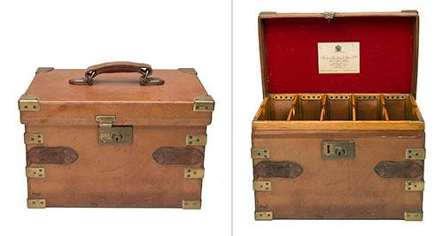 JAMES PURDEY & SONS A BRASS-BOUND OAK AND TAN LEATHER ''THE AUDLEY'' CARTRIDGE MAGAZINE,