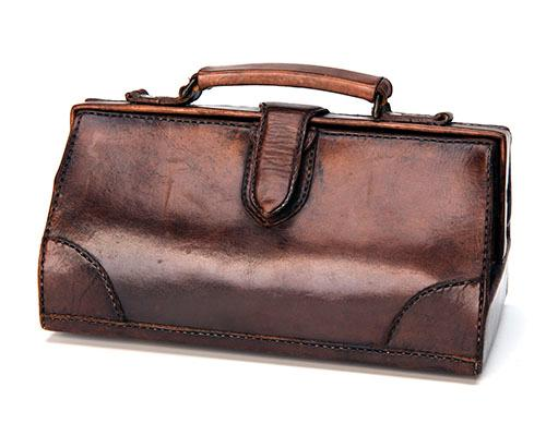 BOSBOOM A SMALL LEATHER GLADSTONE BAG,
