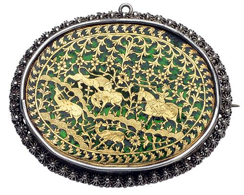 THEWA ART A VICTORIAN INDIAN SILVER, GOLD AND ENAMEL BROOCH,