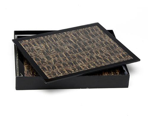 WINGFIELD DIGBY, LONDON A SET OF FOUR WOODCOCK FEATHER AND GLASS PLACEMATS WITH MATCHING COASTERS,