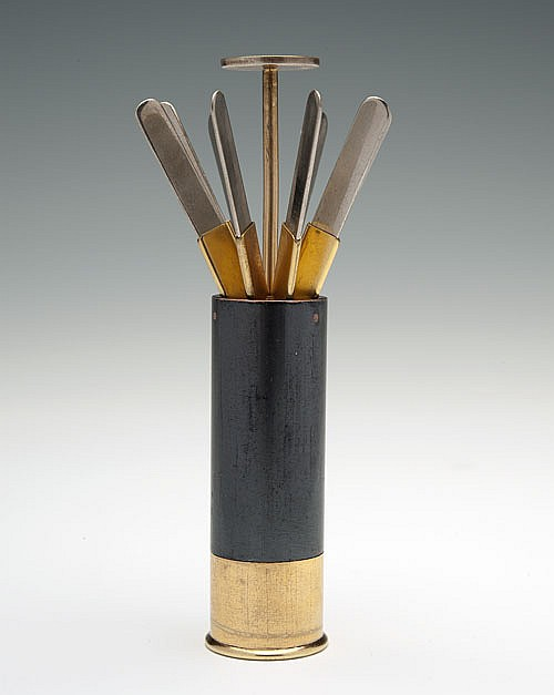 ASPREY AN EIGHT PEG PLACE-FINDER IN THE FORM OF A 12-BORE CARTRIDGE,