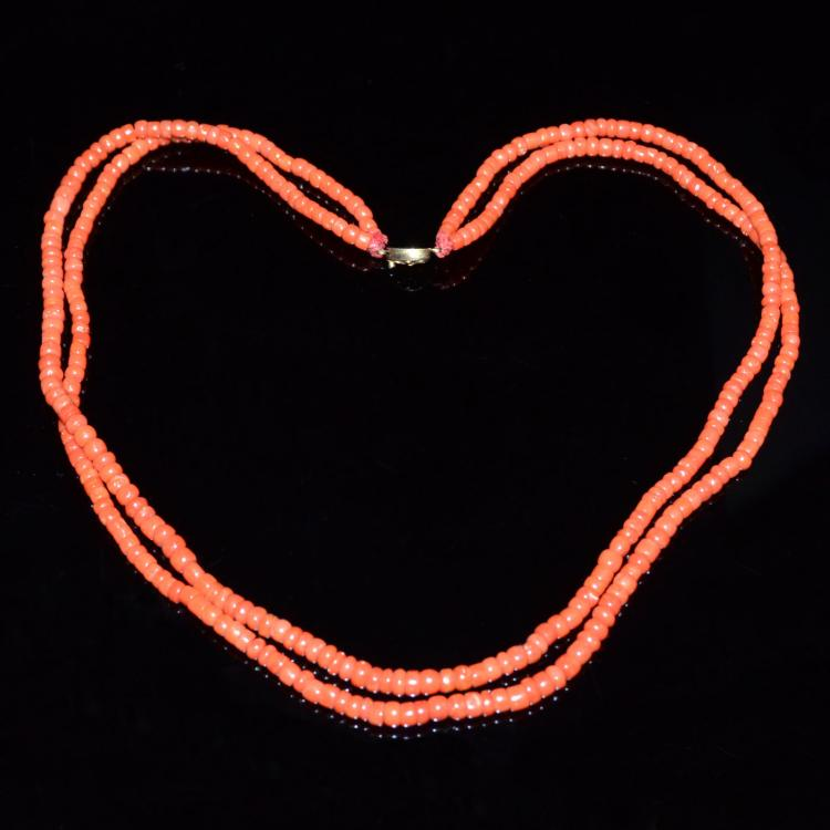 红珊瑚方柱珠双串项链 A Two-Strand Coral Bead Necklace