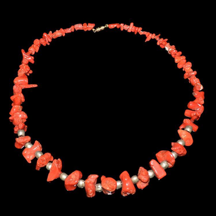 天然红珊瑚珠银花蕾项链挂饰 Coral Necklace with Naturalistic Beads and Silver Beads