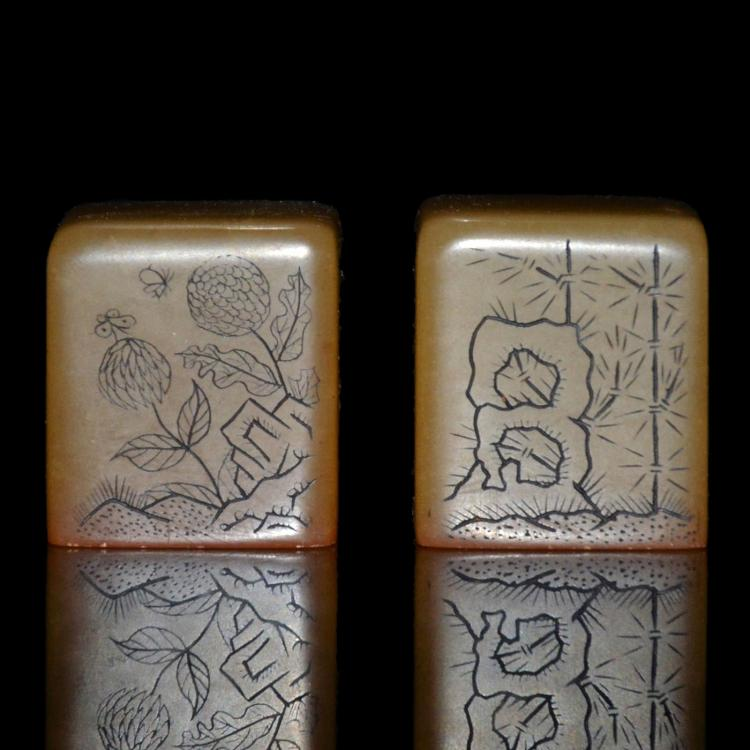 芙蓉石雕花卉诗句印章一对 A Pair of Square Furong Stone Seals