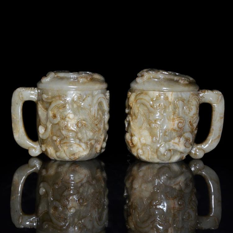 玉雕螭龙带盖把杯一对 A Pair of Carved Jade Cup with Qilin Motifs and Cover