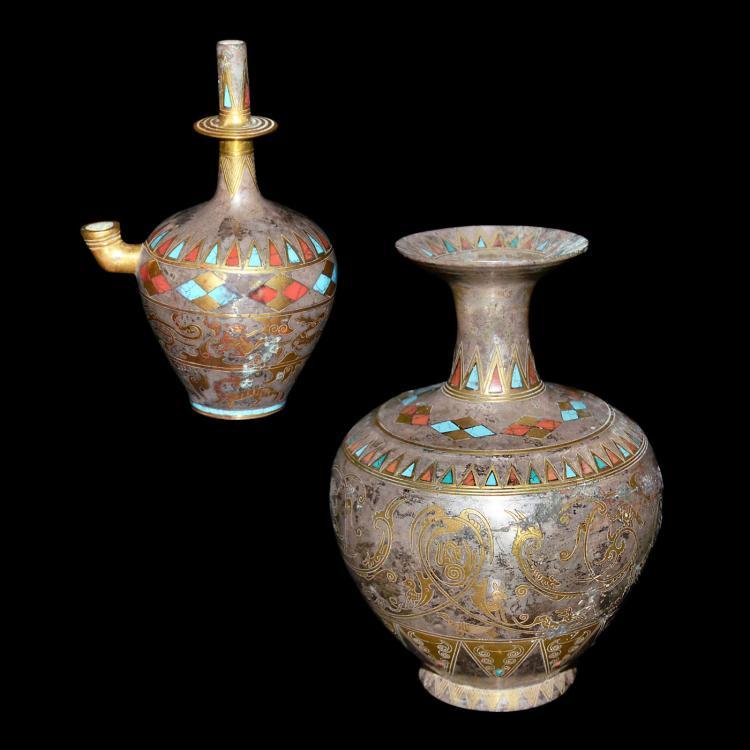 唐 铜鎏银金钳镶宝石错金兽纹净瓶 唐 铜鎏银金钳镶宝石错金卷浪鸟兽纹撇口瓶 Tang, A Very Rare Gilt Silver Kundika and Vase