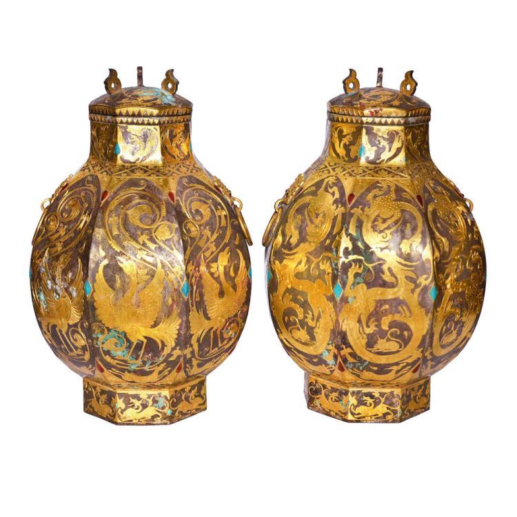唐 铜胎鎏银错金刻花龙凤纹钳宝八棱铺首活环盖尊(一对) Tang, A Pair of Fine and Rare Hexagonal Wine Vessel, Zun Gilt Silver Inlaid with Gold, Turquoise and Agate