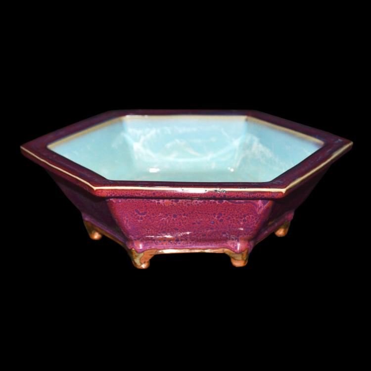 钧窑紫红釉六棱六足一号盘 A Numbered Junyao Purple Glazed Hexagonal Narcissus Bowl
