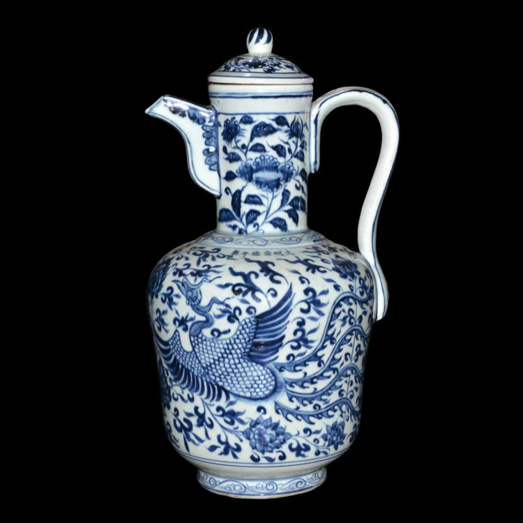 青花凤穿花盖把壶 Blue and white Ewer with Cover