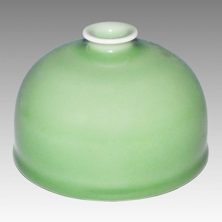 清 乾隆 豆青釉太白尊 Qing, Pea-Green Glazed 'Beehive' Waterpot, TaiBaiZun