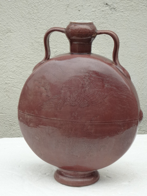 Important Ming Dynasty Hongzhi Period Imperial Moonflask
