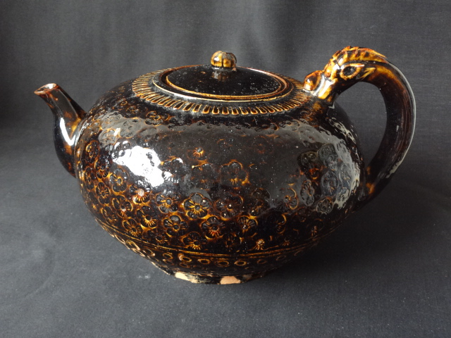 Massive Song Dynasty Jizhou Yao Tea Pot with Dragon Handle