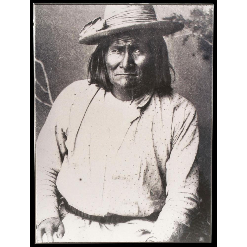PHOTOGRAPH OF NATIVE AMERICAN GERONIMO