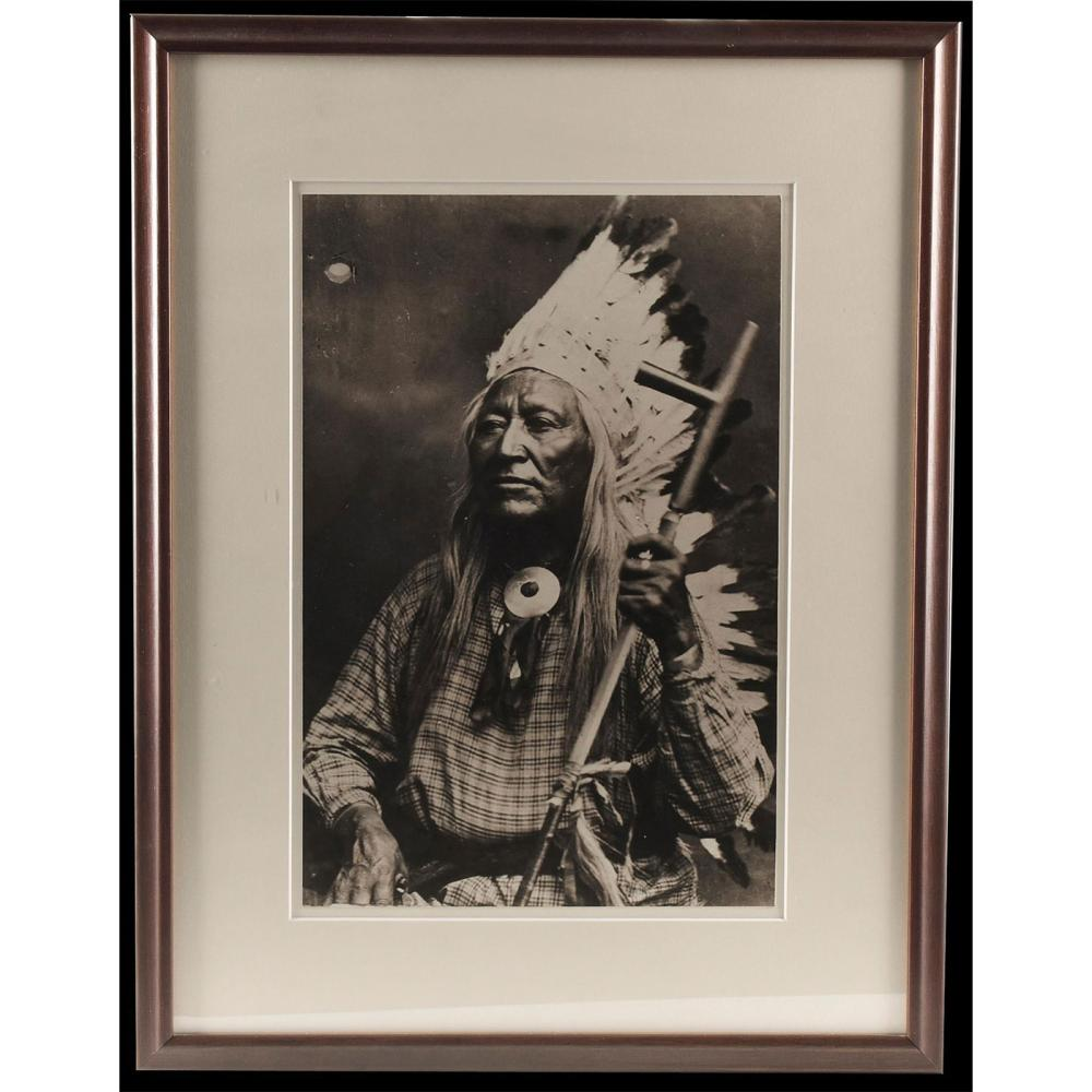 NATIVE AMERICAN CHIEF VINTAGE PHOTOGRAPH