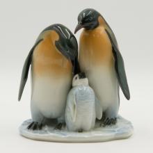 Hutschenreuther Porcelain Group Figurine Penguin