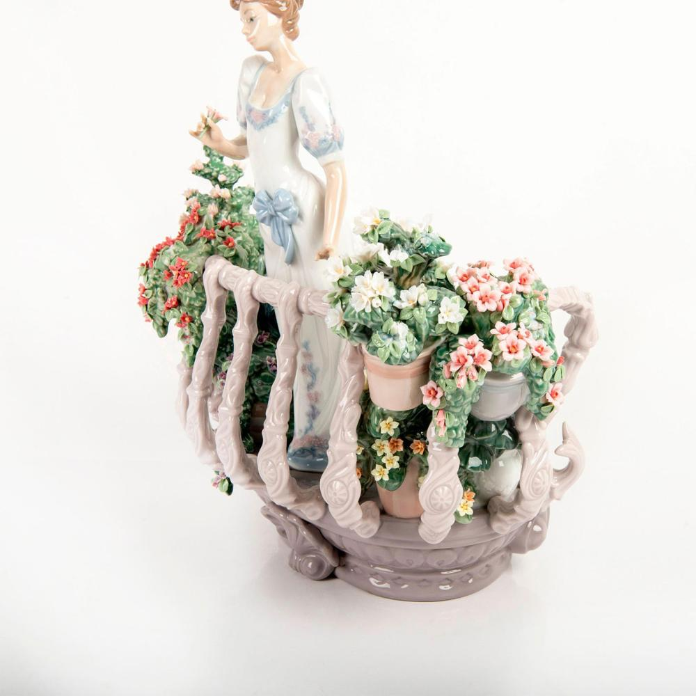 Far Away Thoughts 01001798 LTD - Lladro Porcelain Figurine