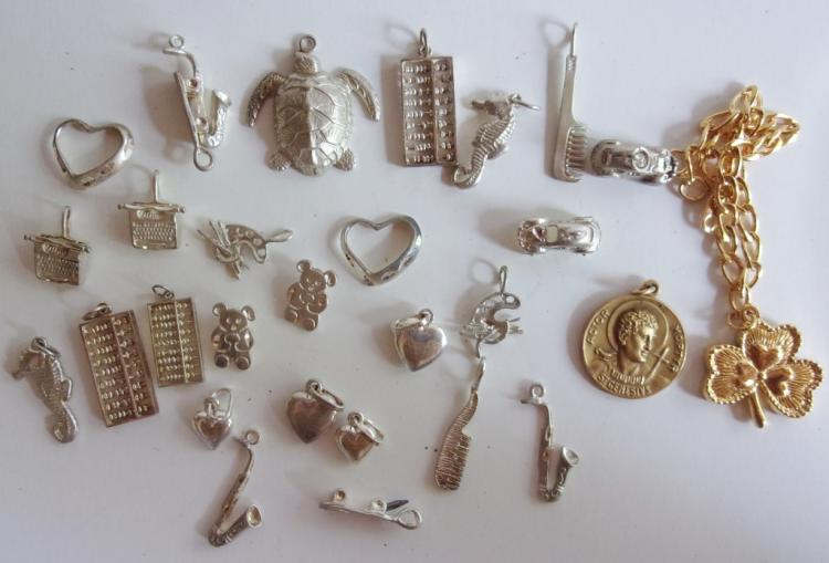 29 STERLING & COSTUME JEWELRY PENDANT/CHARMS