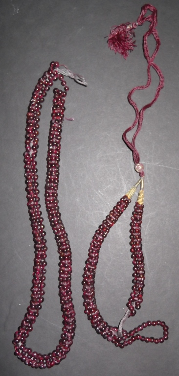 2 strands of polished stones