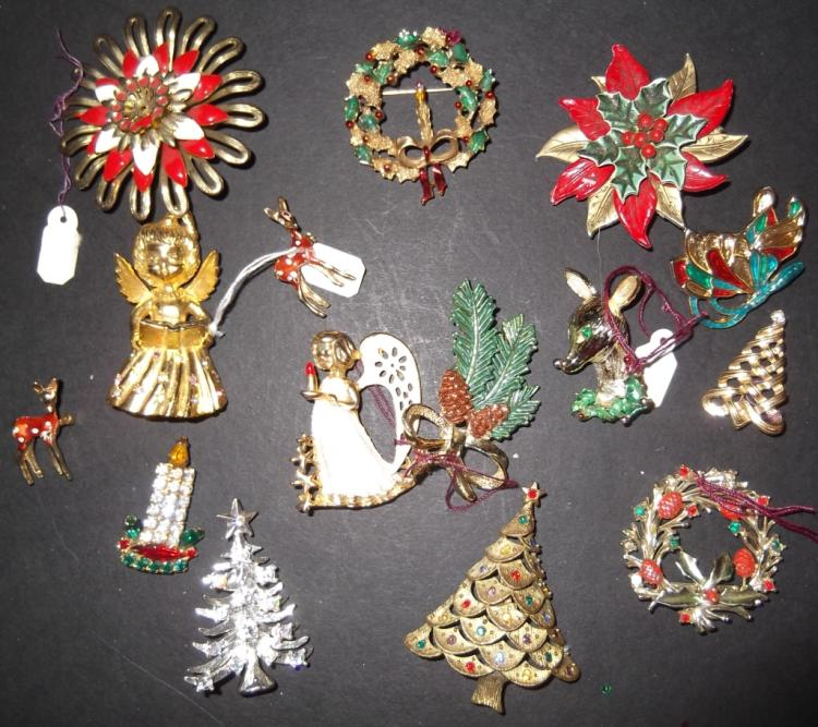 14 Christmas pins/brooches