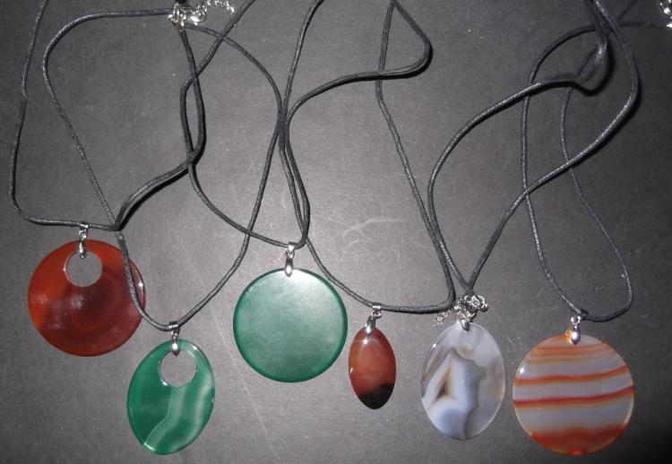 6 polished agate natural colored necklaces
