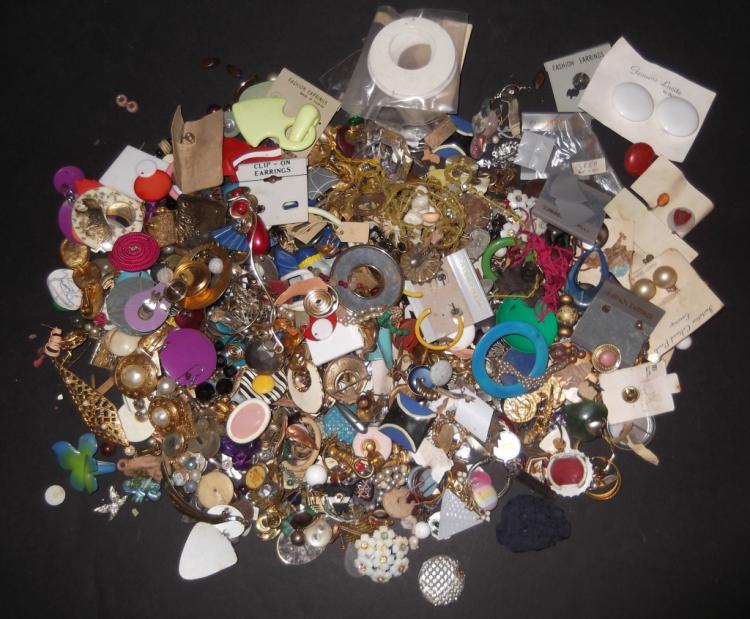 5 lbs of costume jewelry parts; findings; pieces