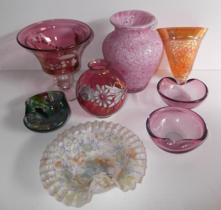 8 piece art glass lot