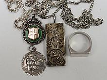 A small collection of silver jewellery to include