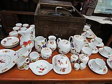 A quantity of Royal Worcester 'Evesham' pattern
