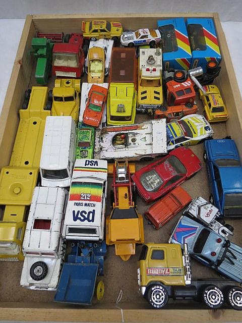A quantity of model commercial vehicles and cars,