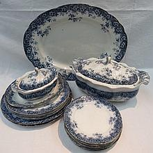 A late 20thC Booths Canterbury pattern part dinner