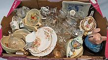 A mixed box of 20thC crockery and glass including