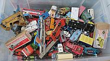 A mixed quantity of die cast toys, vehicles by