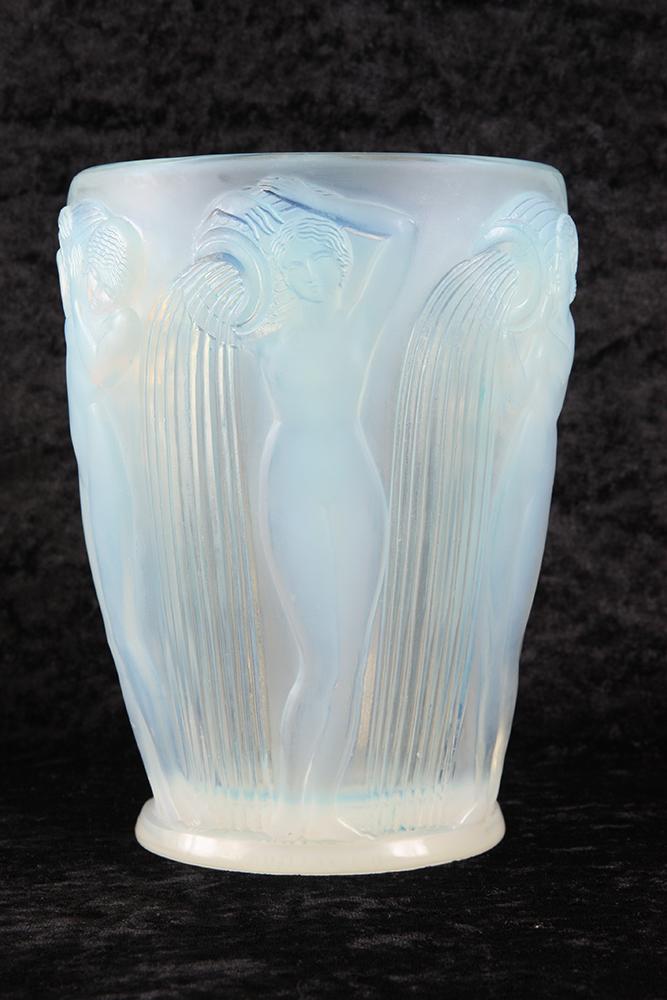 René Lalique Vase Danaides Opalescent - Ref.67549