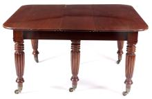A GOOD GEORGE III GILLOWS STYLE PULL-OUT MAHOGANY DINING TAB