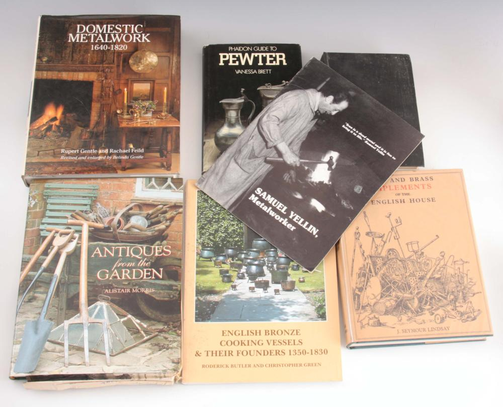 7 Books - Chats on old pewter by H.J.L.J. Masse, M