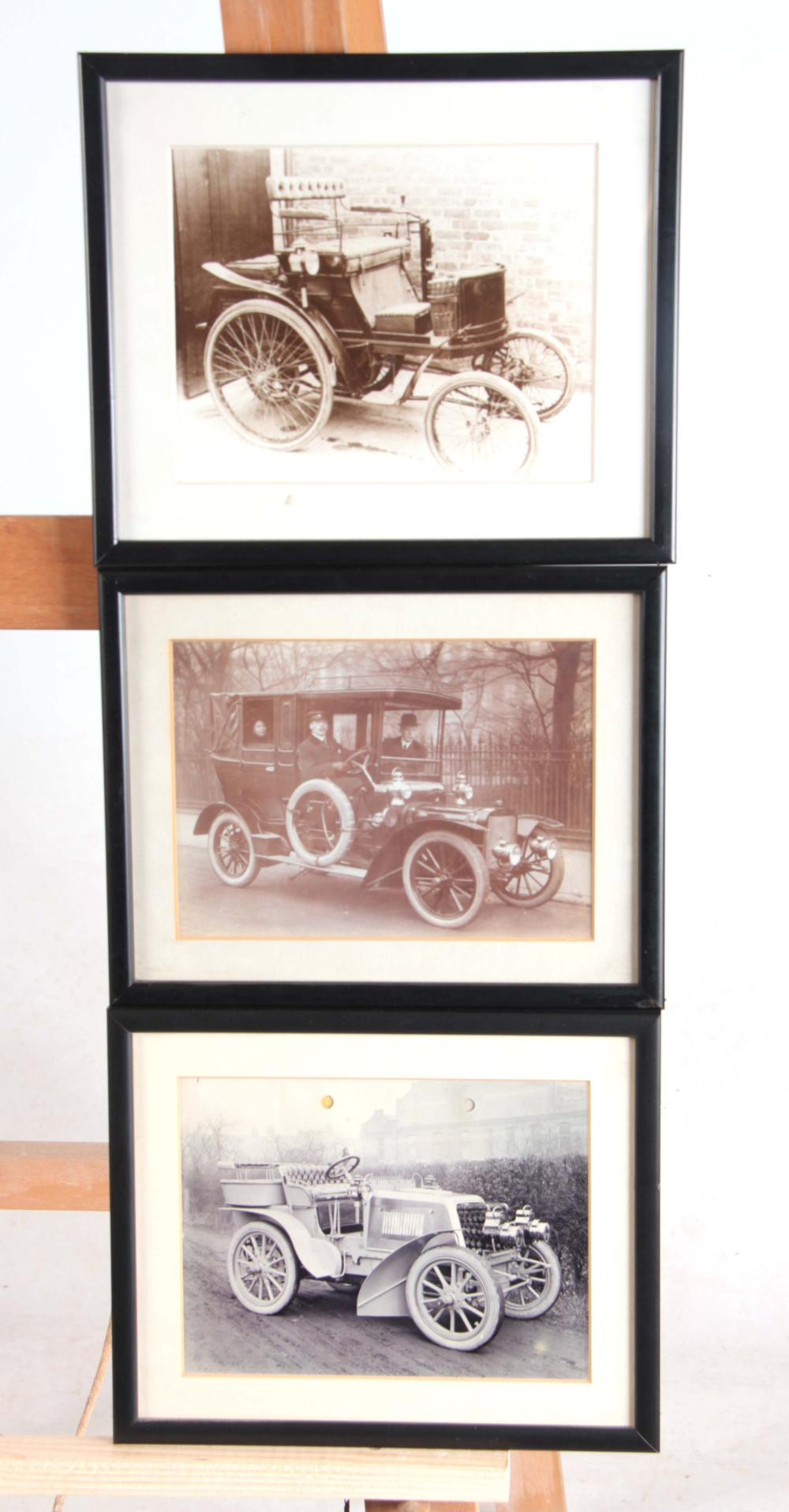 EARLY 20th PHOTOGRAPH OF A VINTAGE CAR 15cm high,