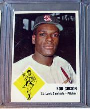 Lot 112: 51 DIFF 1963 FLEER BASEBALL CARD LOT HOF GIBSON B ROBINSON DRYSDALE SP + EXMT NRMT