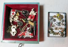 Lot 1: VINTAGE 8 DRAWER DECO MENS JEWELRY BOX FULL PINS JEWELRY GAS HARLEY LIONS CUFFLINKS MISC