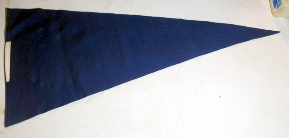 Lot 79: OLD UNIVERSITY OF NOTRE DAME FIGHTING IRISH 36 INCH SOFT WOOL PENNANT